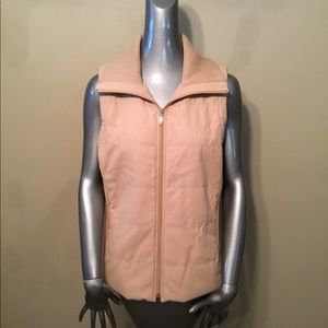 Chico's tan quilted vest jackets